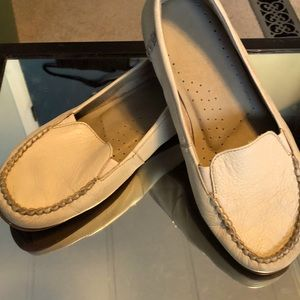Hush Puppies Loafer Style Shoes